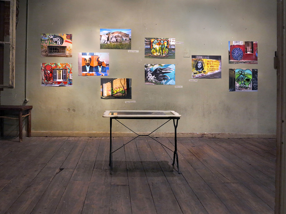 'Street Art in Photos' στο Photo Gallery Room του Bensousan Han
